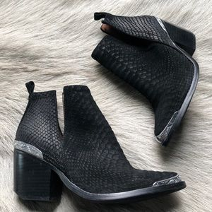 Jeffrey Campbell Black Cromwell Ankle Boots 7